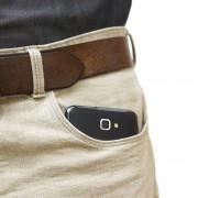 Знаете ли зошто никогаш не треба мобилниот телефон да го носите во вашиот џеб?