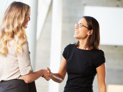 11 чести навики кои луѓето мислат дека се учтиви, но всушност не се