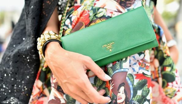Дознајте која е бојата што жените се плашат да ја вклучат во нивните модни комбинации