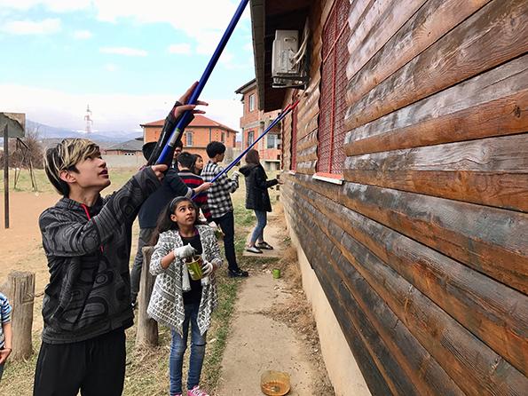 (1) Канадски ученици кои се движат по патот на мигрантите пристигнаа и во Македонија