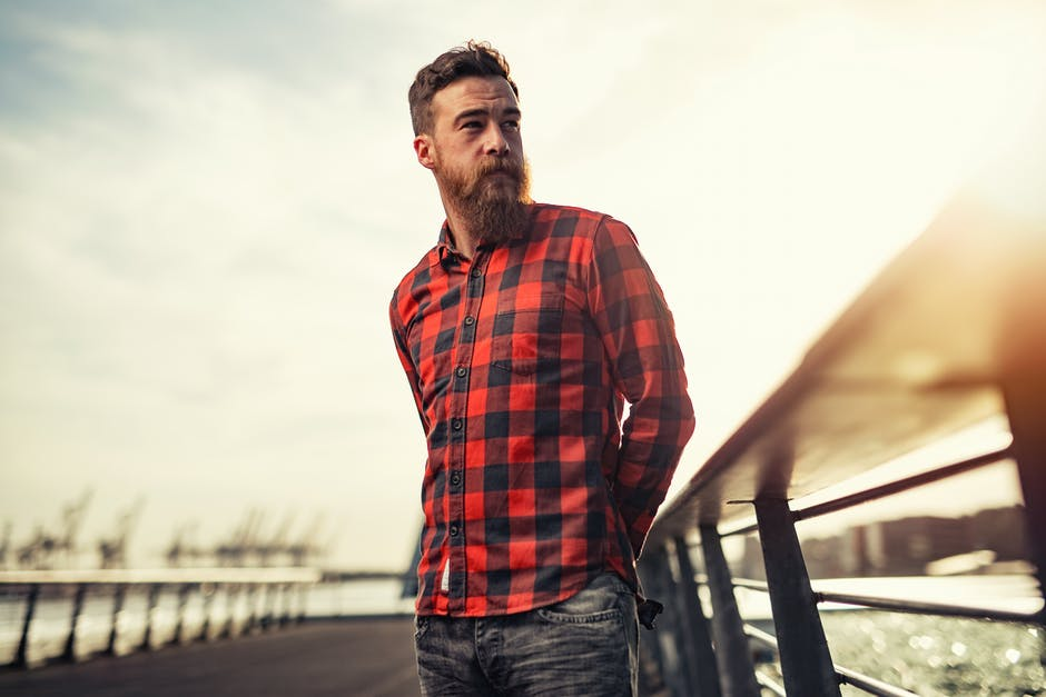 Ниска самодоверба, пофалби, личен простор: Што сѐ треба да знаете за мажите?