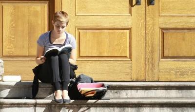 Што чита Ема Вотсон? Дознајте кои се нејзините омилени книги и почнете со читање!