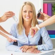 3 едноставни начини да останете смирени кога сте опколени со луѓе без осет