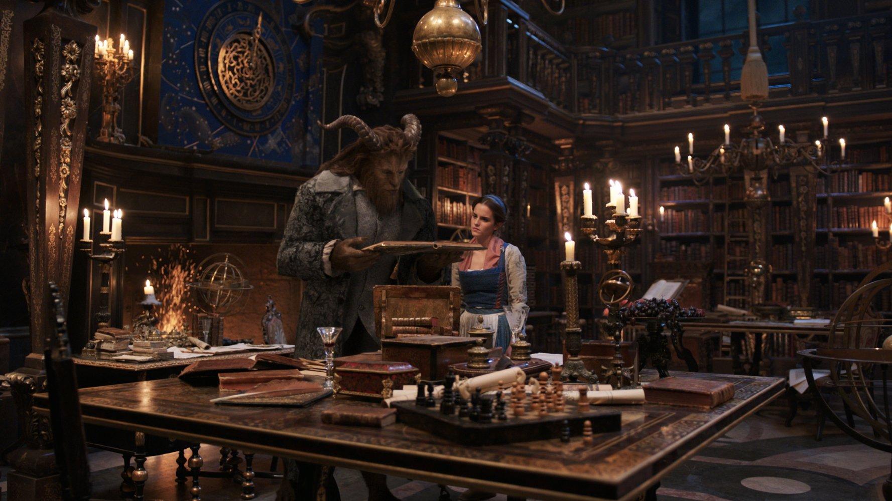 (4) Филм: Убавицата и ѕверот (Beauty and the Beast)