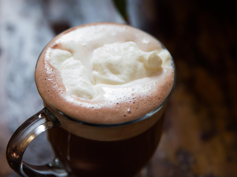 Миланско топло кафе за поладните пролетни денови