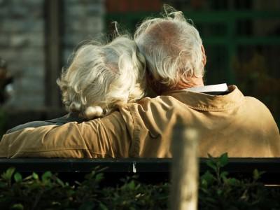 3 љубовни лекции што можеме да ги научиме од бабите и дедовците