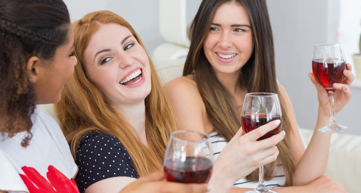 Пиењето вино ја подобрува мозочната функција повеќе од која било друга активност!