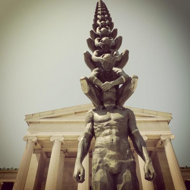 (2)14-skulpturi-koi-gi-prekrshuvaat-zakonite-na-fizikata-kafepauza.mk