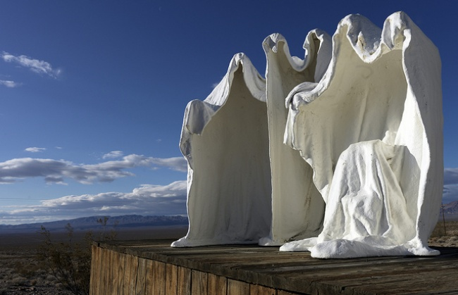 (3)14-skulpturi-koi-gi-prekrshuvaat-zakonite-na-fizikata-kafepauza.mk