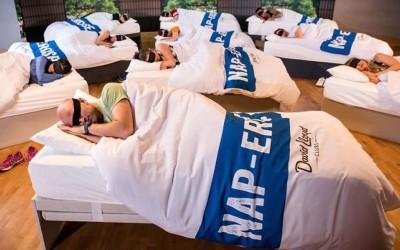 Одлични вести: Отворена е сала за вежбање која нуди часови по дремење за сите уморни луѓе