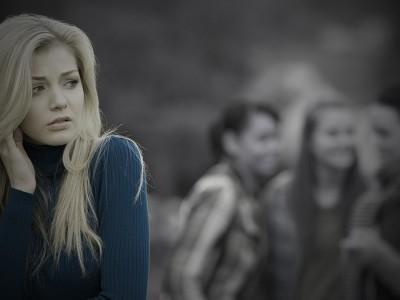 Зошто на анксиозните луѓе им е толку тешко да стекнат доверба во некого?