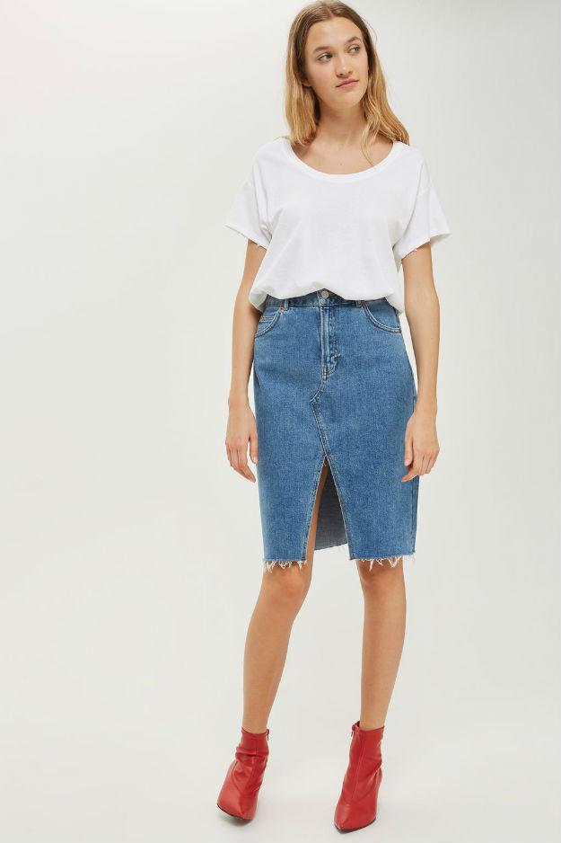 3-ne-e-ednostavno-kako-shto-zvuchi-izberete-idealna-bela-bluza-za-svojot-tip-na-gradba-www.kafepauza.mk_