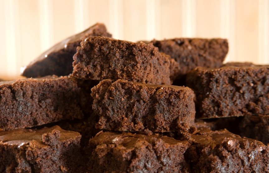 (5)10-chokoladni-deserti-za-koi-vi-se-potrebni-samo-3-sostojki-kafepauza.mk