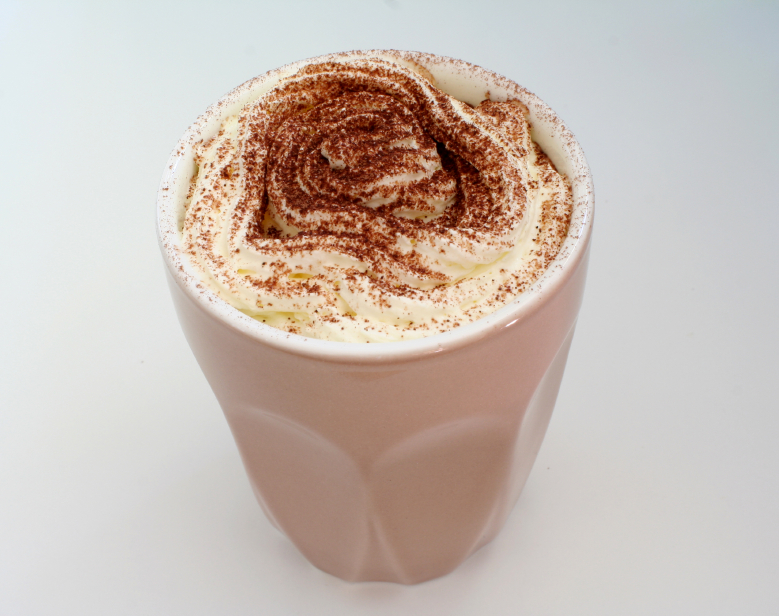 (8)10-chokoladni-deserti-za-koi-vi-se-potrebni-samo-3-sostojki-kafepauza.mk
