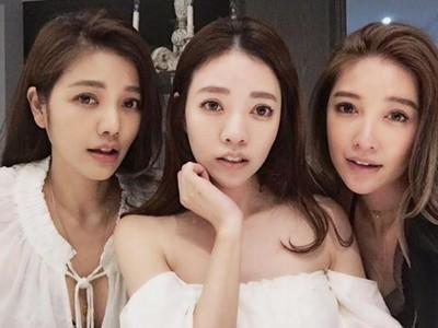63-годишна мајка и нејзините средовечни ќерки го воодушевија светот со нивниот младешки изглед