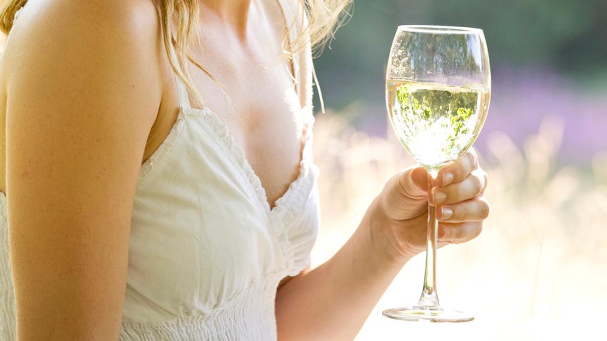 Дознајте кои се здравствените придобивки од белото вино