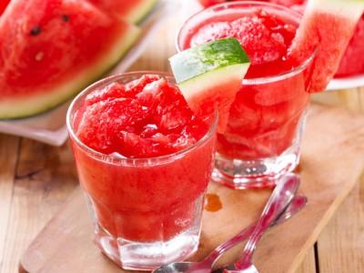 Леден десерт од лубеница кој ќе ве освежи во летните денови