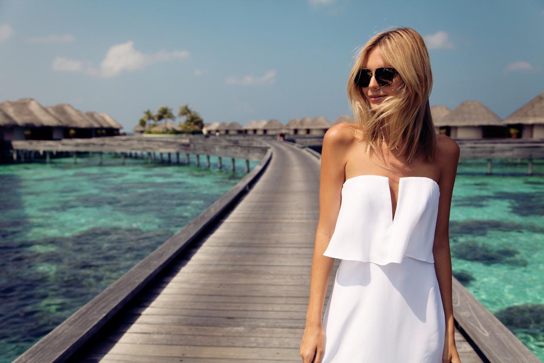 1-modni-insta-trendovi-modna-kombinacija-koja-gi-poludi-site-svetski-blogerki-www.kafepauza.mk_