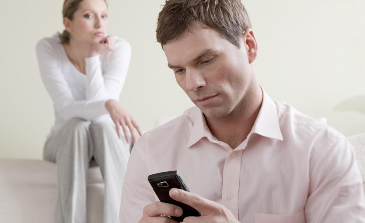 Науката открива: Кои се тајните што вашиот партнер најверојатно ги крие од вас?