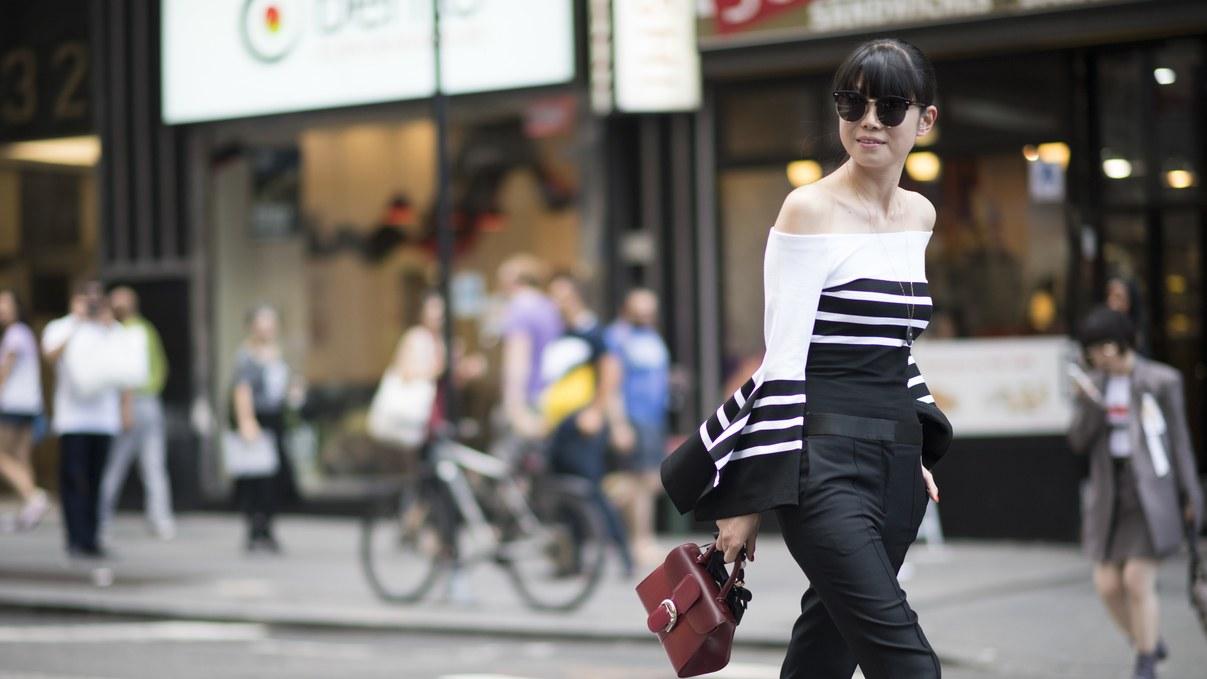 2-elegantni-i-moderni-parchinja-obleka-so-koi-sekoja-vasha-modna-kombinacija-kje-bide-poln-pogodok-www.kafepauza.mk_
