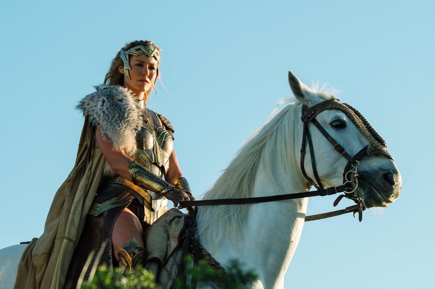 (6) film-vonder-vuman-wonder-woman-www.kafepauza.mk