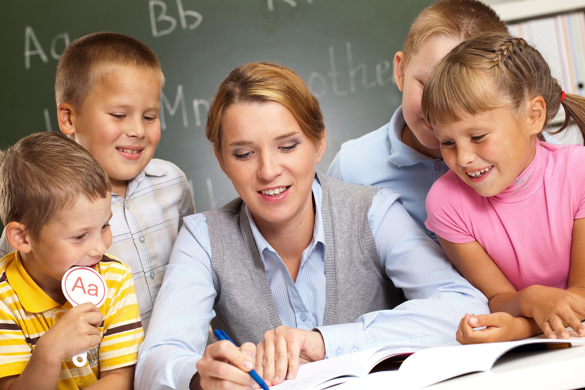 Зошто луѓето што стапуваат во брак со наставници се најсреќни?