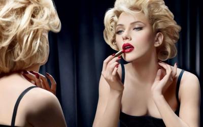 Дознајте која боја на кармин им помага на жените да се чувствуваат најмоќни (не е црвената!)