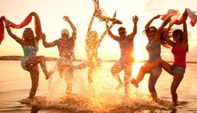 Урнебесно и вистинито: Како се однесуваат хороскопските знаци на плажа?