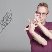 Глуви луѓе нѐ учат како да пцуеме на знаковен јазик
