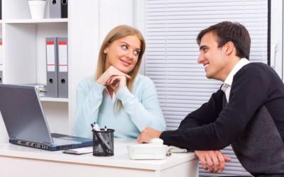 Истражувањата откриваат: Повеќе од половина мажи фантазираат за нивна колешка од работа