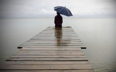 Моќни цитати за интровертноста што ќе ве натераат да се вљубите во самотијата