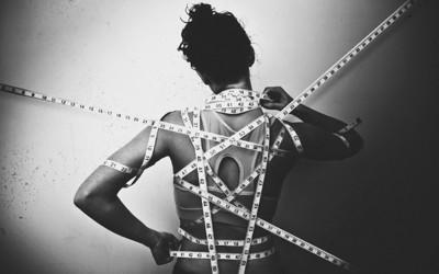 Талентиран фотограф успева да ја долови ужасната реалност на менталните нарушувања