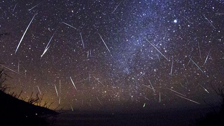 (2)nemojte-da-go-ispushtite-najgolemiot-i-najsvetliot-dozhd-od-meteori-kafepauza.mk