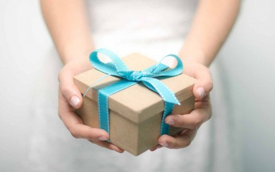 Сте добиле подарок од нарцисоиден човек? Внимавајте! Нештата не се такви какви што изгледаат