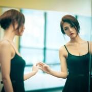 1-zoshto-sekogash-ste-ubavi-vo-ogledaloto-no-ne-i-na-fotografiite-www.kafepauza.mk_