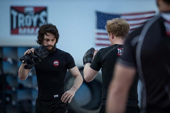 (2) film-amerikanski-platenik-american-assassin-www.kafepauza.mk