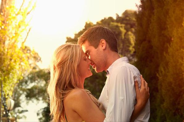 Дознајте до кога ќе ве сака партнерот според неговиот хороскопски знак
