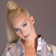 Сара Мејс: Музичарката која гледа бои додека слуша музика ви ги открива најуникатните женски музички гласови