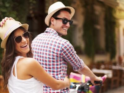 15 мисли што им поминуваат на мажите низ глава кога ќе ја запознаат својата сродна душа