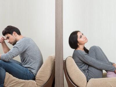 4 умствени игри што ги играат несигурните мажи во љубовните врски