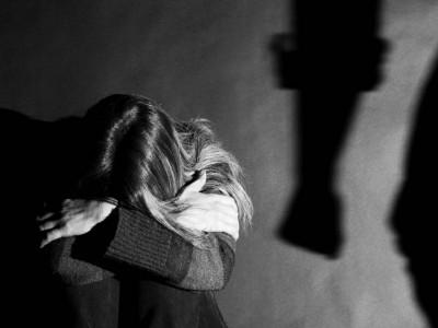 Скриен знак што ги издава луѓето кои се жртви на физичко насилство
