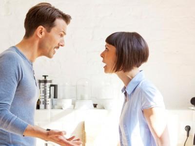 Внимавајте: 4 знаци дека со сопругот се однесувате како да е дете