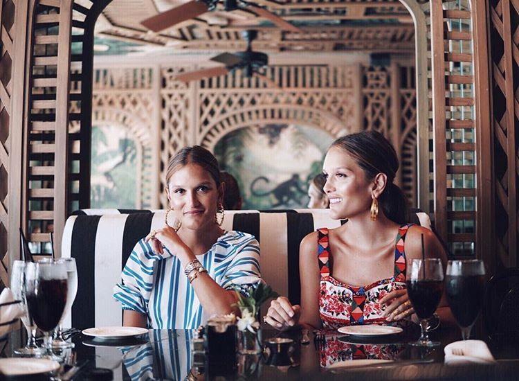 2-ameli-i-elisa-zapoznajte-gi-dvete-najmoderni-sestri-na-instagram-www.kafepauza.mk_