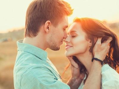 3 хороскопски знаци кои ќе доживеат голема среќа на љубовно поле во текот на ноември