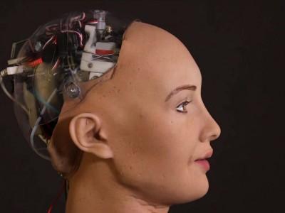 8 работи што треба да ги знаете за Софија – роботот кој се закани дека ќе го уништи човештвото