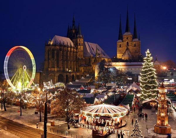 Blick auf den 158. Erfurter Weihnachtsmarkt, aufgenommen am Montag (01.12 ...