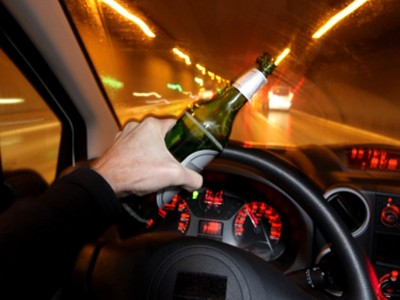 Како полицијата знае дека возите пијани уште пред да ве сопре?