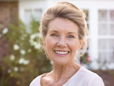 Жените стануваат посреќни од мажите дури откако ќе наполнат 85 години, а причината за тоа ќе ве запрепасти!
