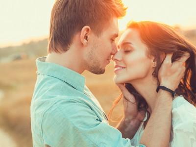 10 работи што мора да ги знаете за љубовните врски