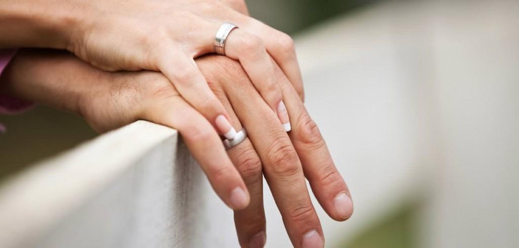 12 знаци дека таа е жена со која треба да се ожените